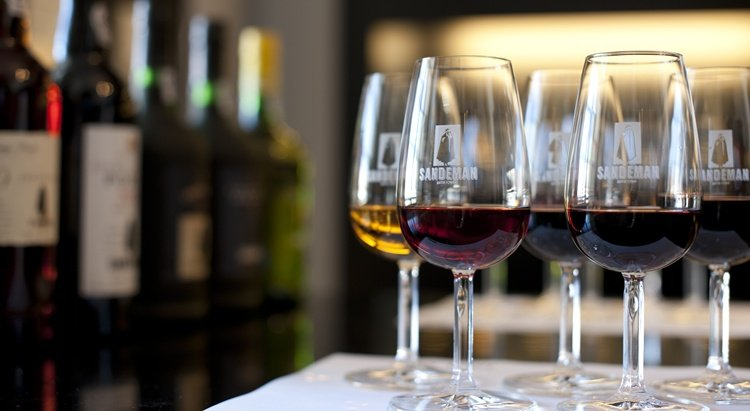 caves Sandeman porto wine tasting tours, croft wine tasting tours in porto, best port wine cellar, port wine tasting, port wine lodges porto, port wine tasting tours