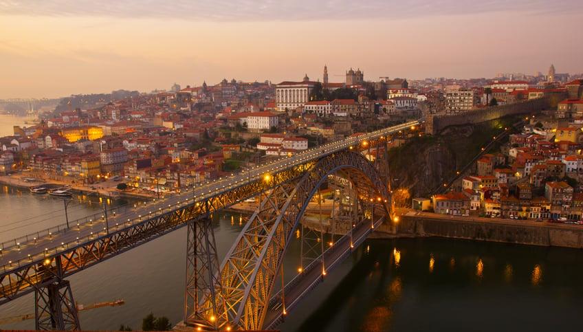 Porto- gaia- historic-center.jpg