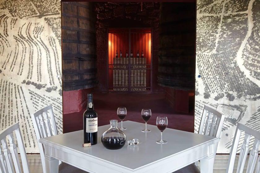 Churchill's wine tasting tours in porto, best port wine cellar, port wine tasting, port wine lodges porto, port wine tasting tours
