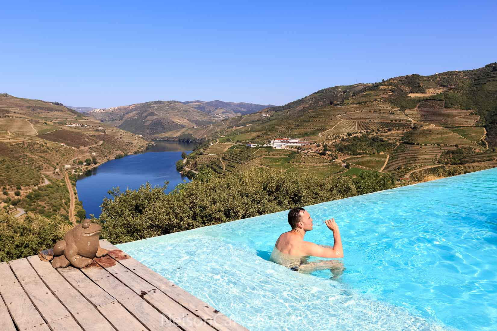 Tour in the Douro with a Sailing Cruise in Douro River