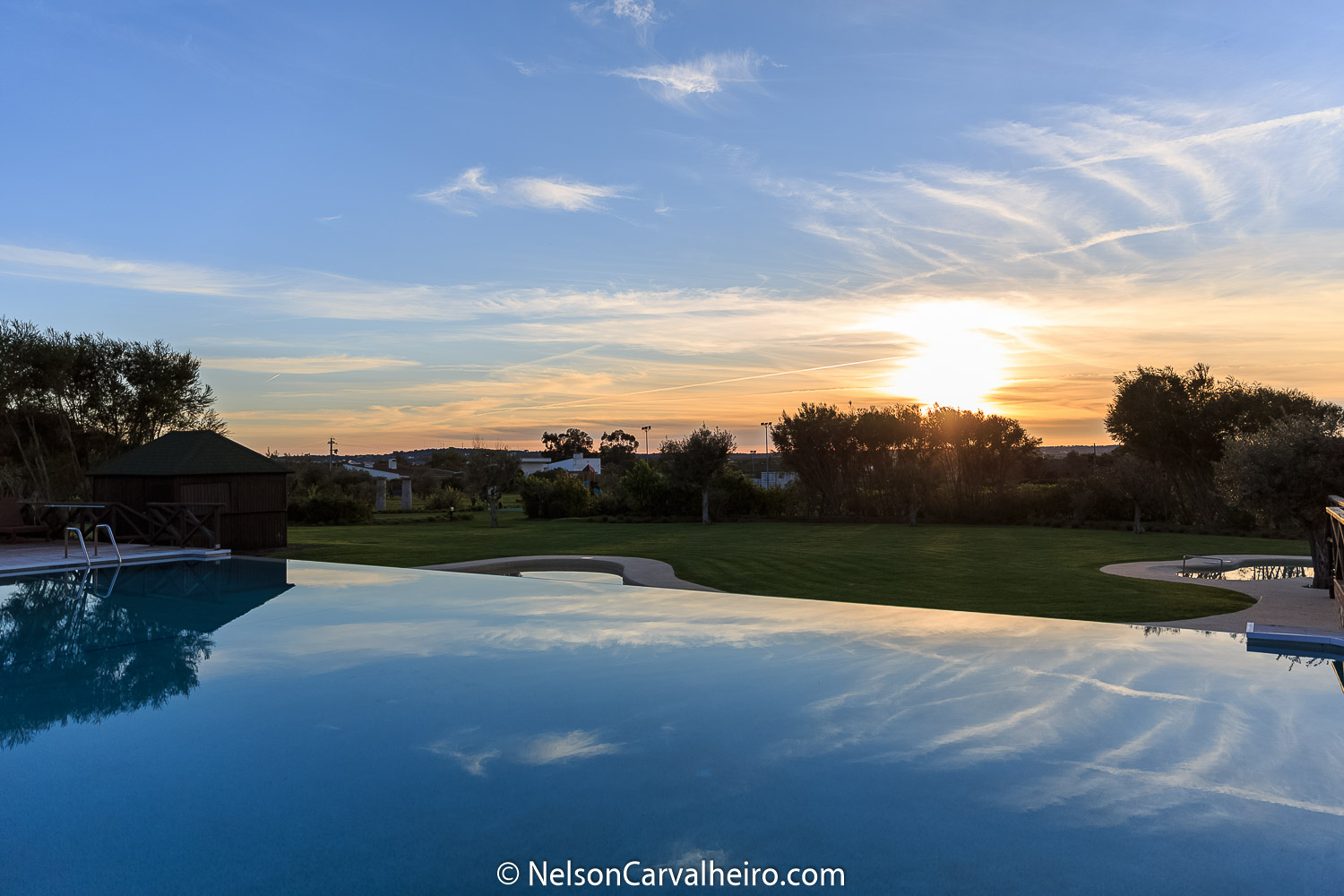 Alentejo Wine Travel Guide - Convento do Espinheiro - Pool