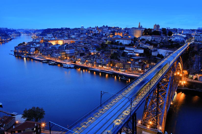 Porto at night sightseeing