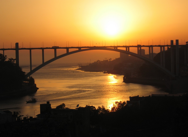 sunset, porto, what to do in porto, best things to do in porto, port wine cellars, best port wine tours, best wine tours in porto