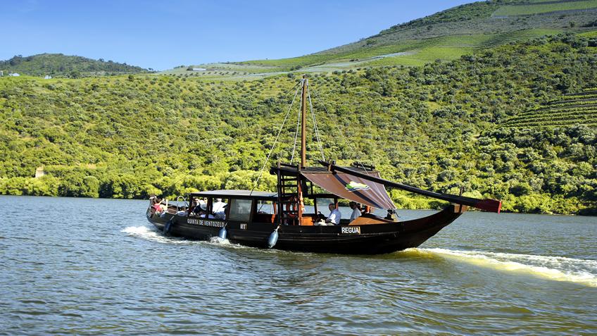 Companhia Turistica do Douro; Douro River Cruise;