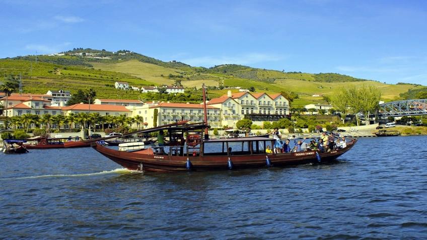Companhia Turistica do Douro; Douro River Cruise