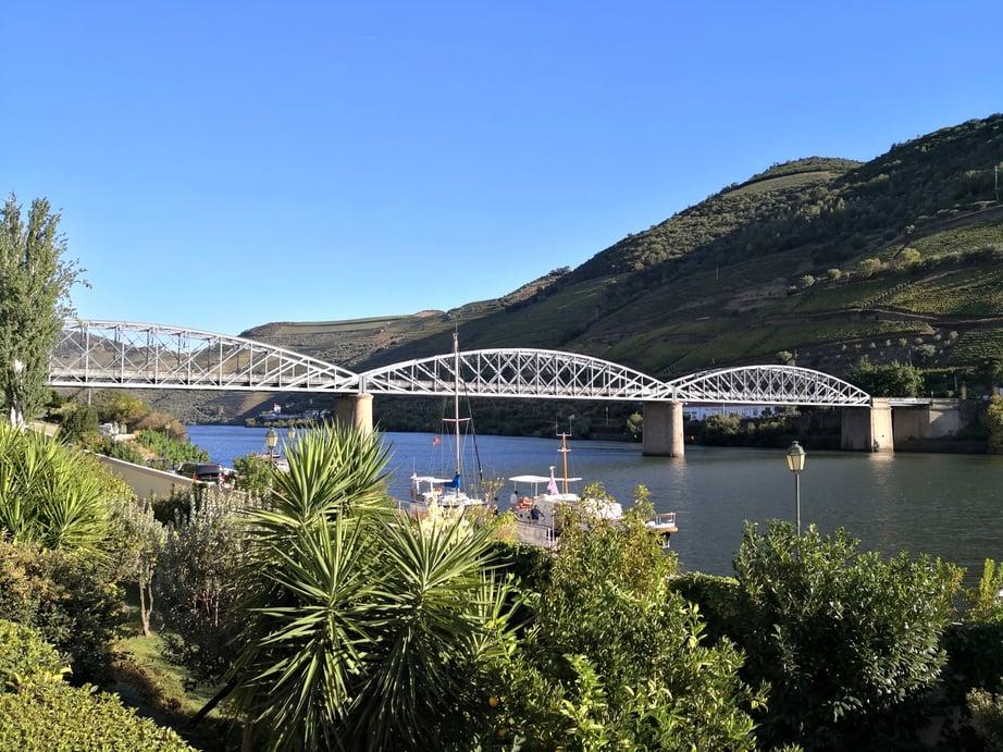 Gustave_Eiffel_Bridge_in_Pinhão_01