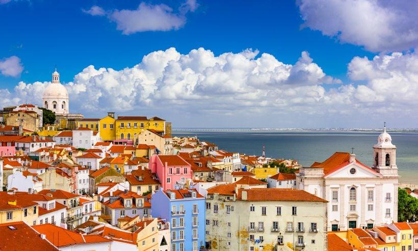 Lisbon-skyline-t