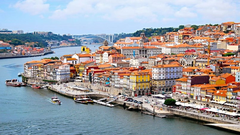 Porto; Ribeira; Tour in Porto; Port Tasting