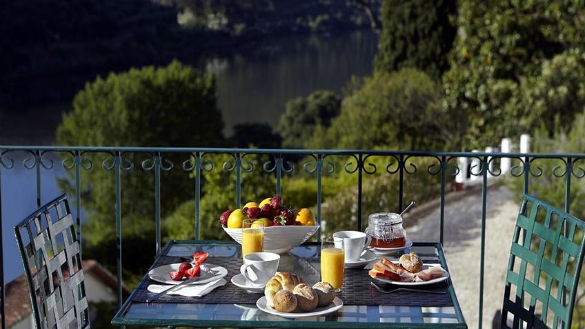 Quinta de La Rosa  Wine Hotel in Douro; Winery Douro; Wine Tasting
