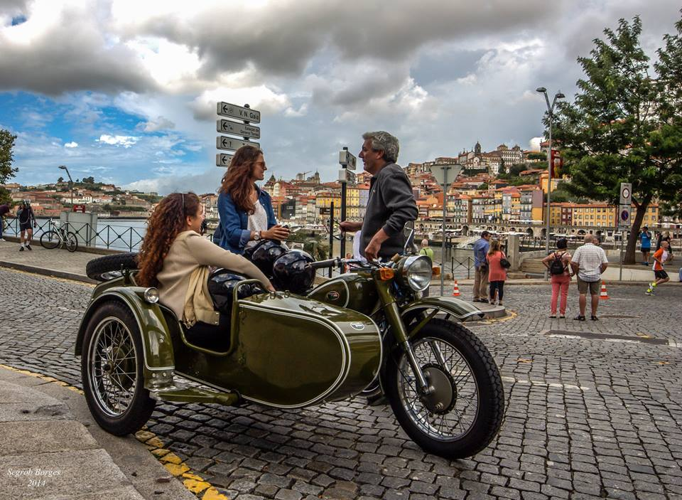 Porto Tours - vintage vehicle with side car - exclusive tours by WINTP