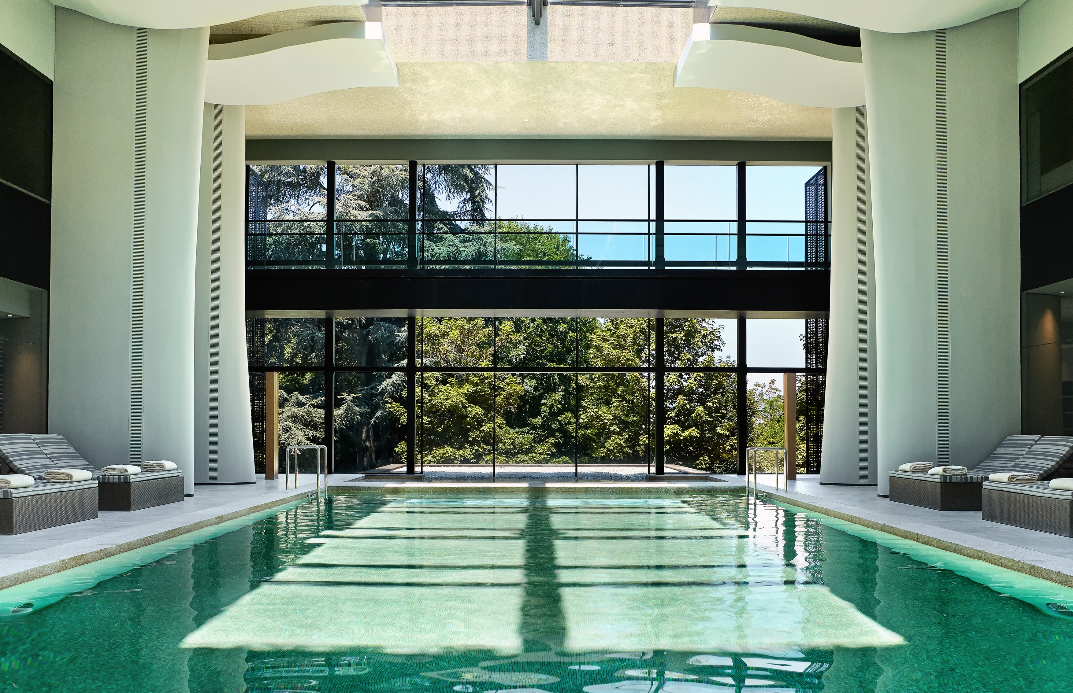 Spa_indoor_pool_[6183-A4]-1