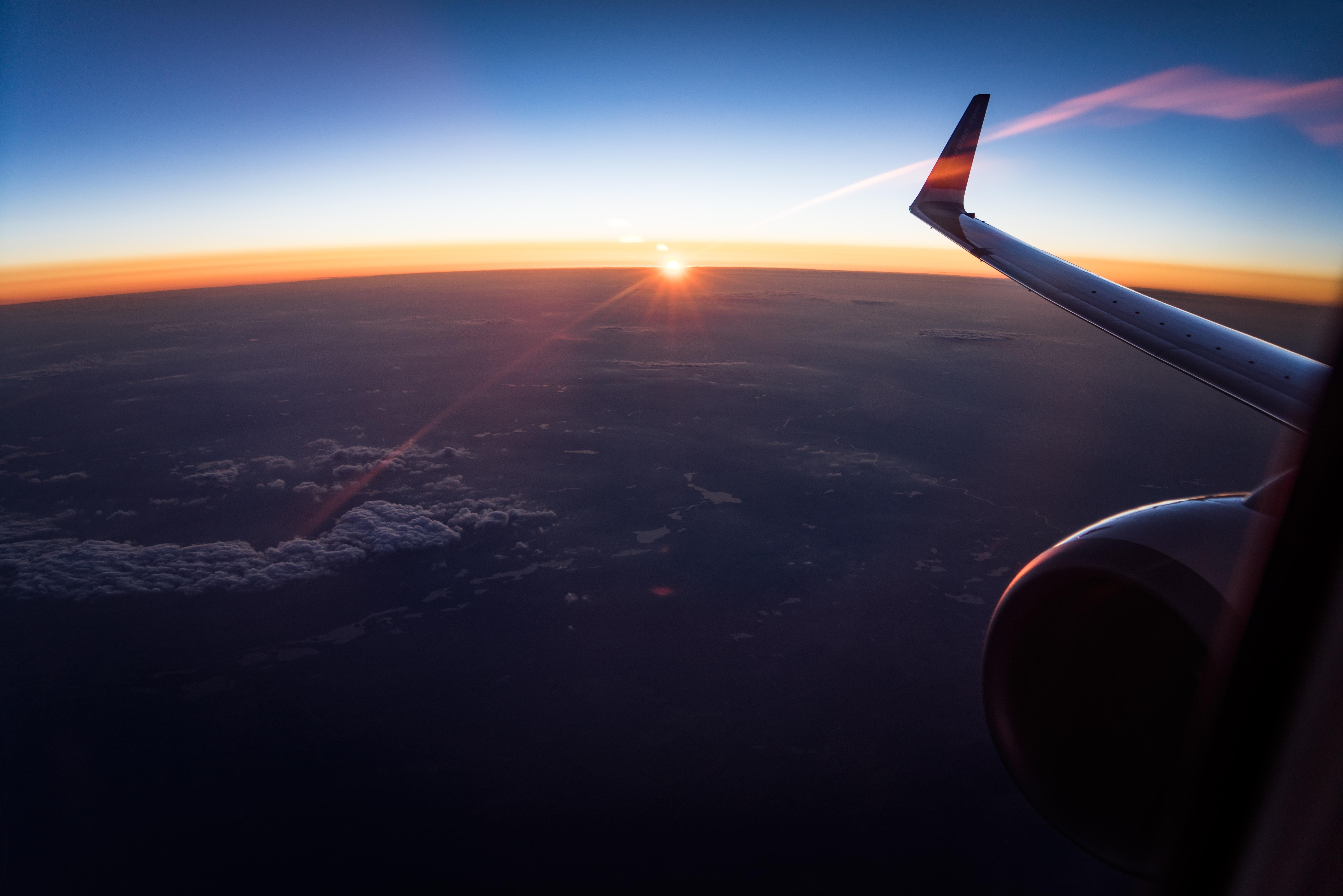 plate-flight-sky-sunset-91217