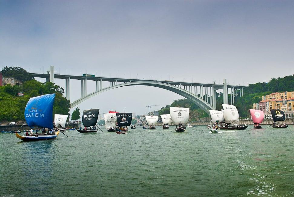Regata-de-Barcos-Rabelos_2010_734-fot-Confraria-do-Vinho-do-Porto