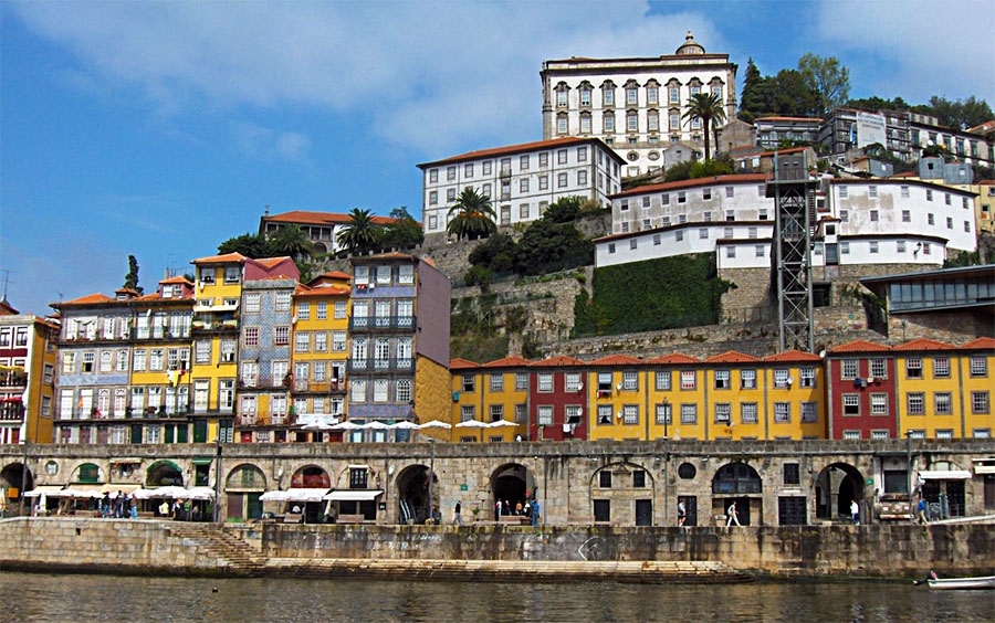 Things to Do in Porto: Visit Downtown Porto