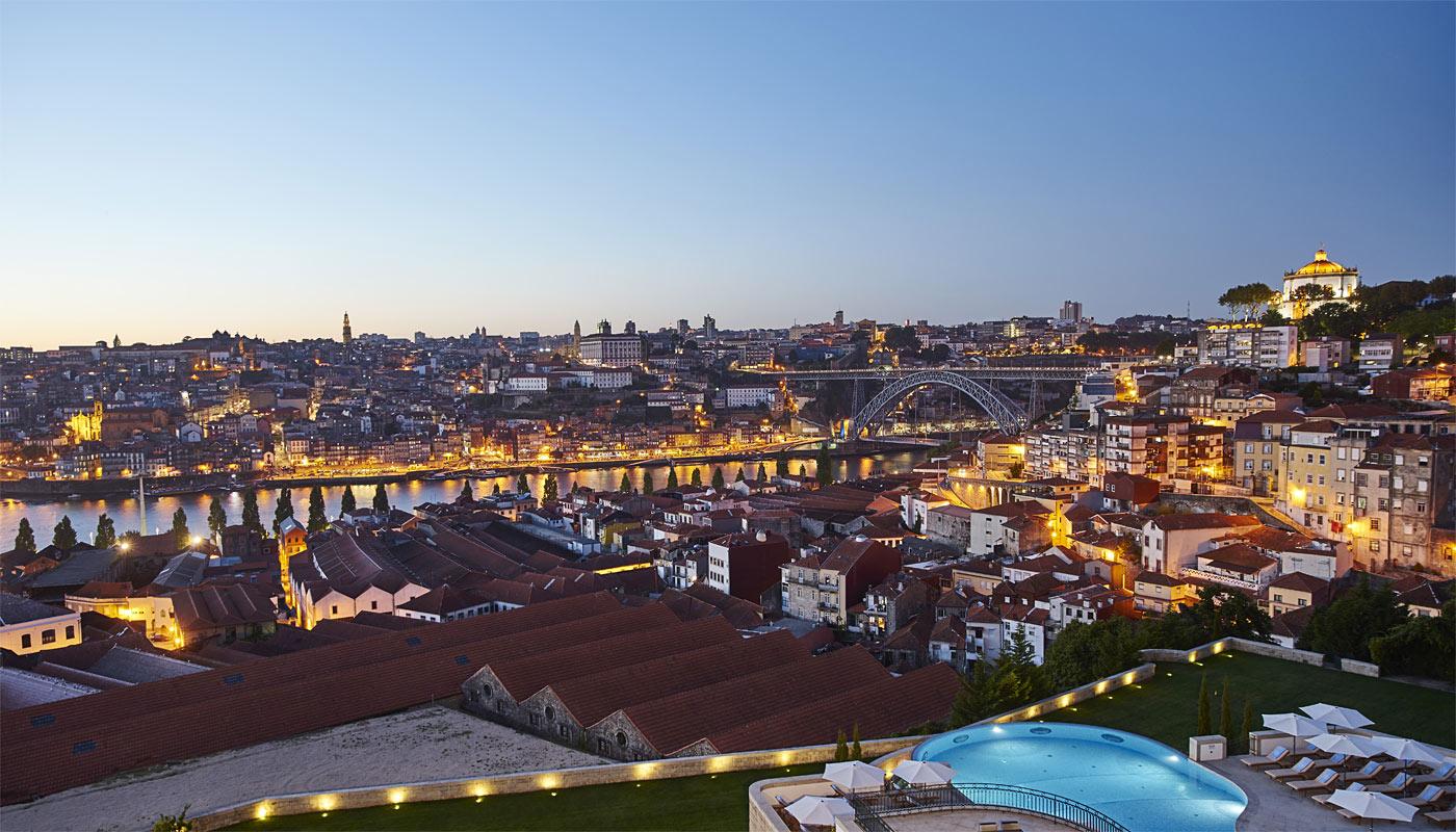 view_of_porto3_134969004958b00e571e7bf