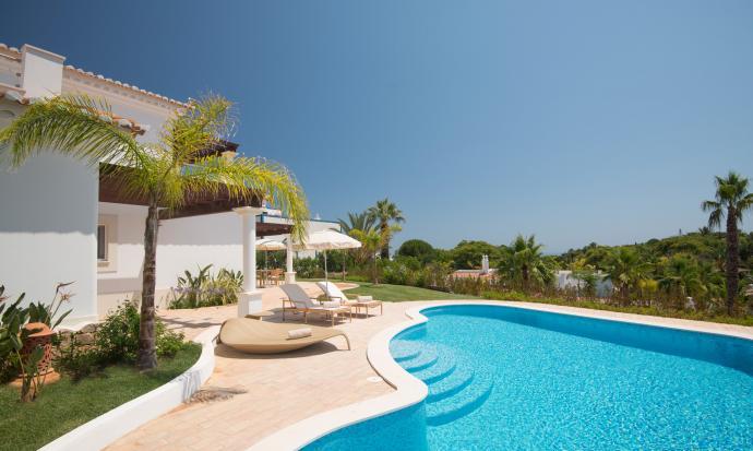 vila_atlantico_i_-_exterior_pool_side_1_0