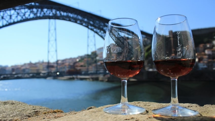 Our Clients' Favorite - Half-Day Wine Cellars Tour in Porto