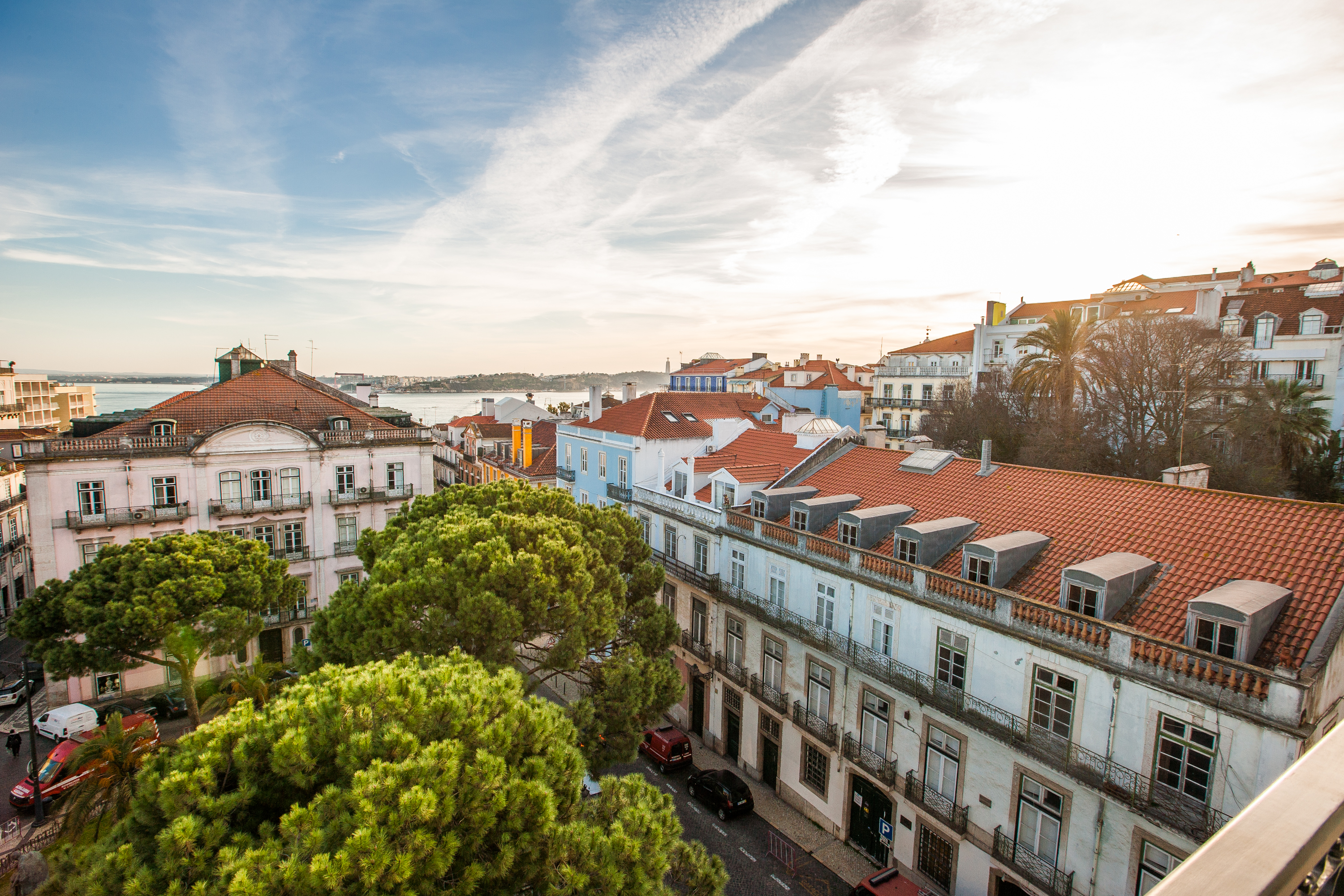 A Complete Guide To A Luxurious Summer in Lisbon