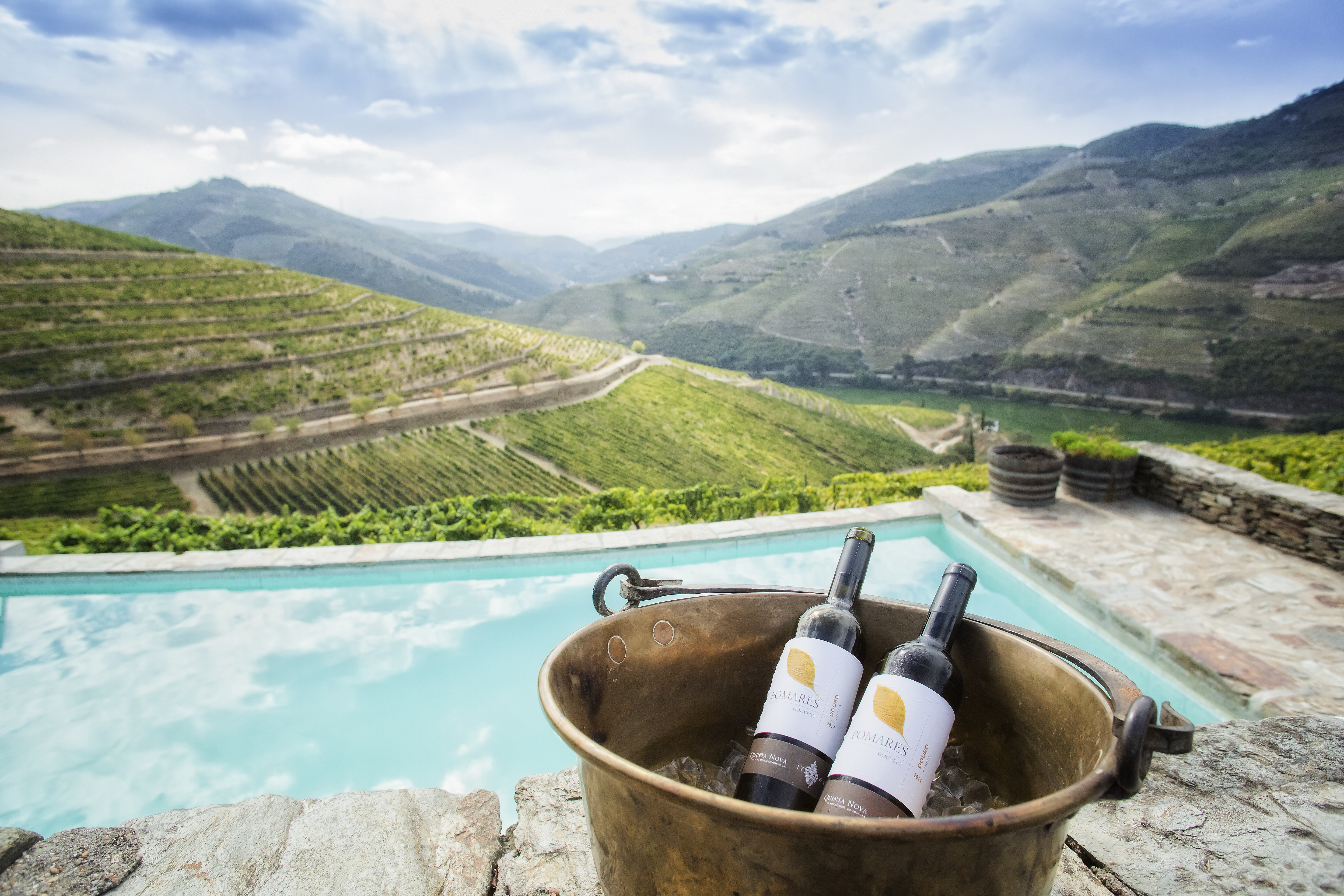 CONTEST:Win a Luxurious stay for 2 in Douro Valley with Dinner and Wine Pairing Experience